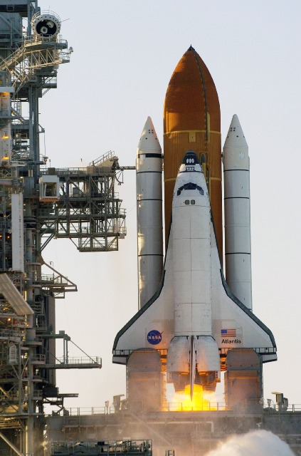 This image has an empty alt attribute; its file name is edu_shuttle_launch_sts-117-1.jpg